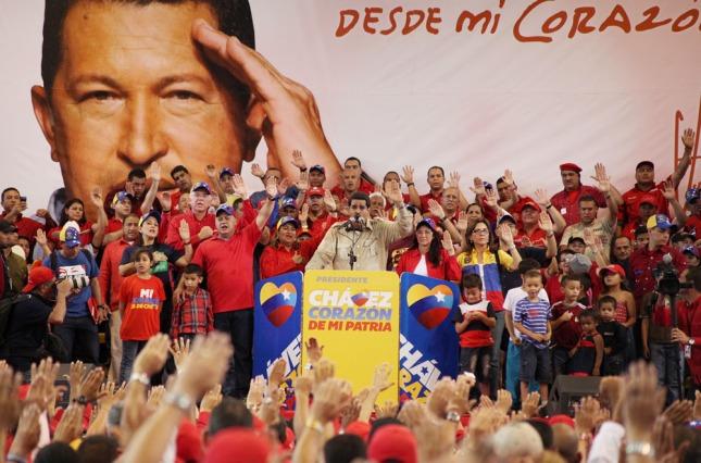 Resultado de imagen para maduro y el pueblo bolivariano